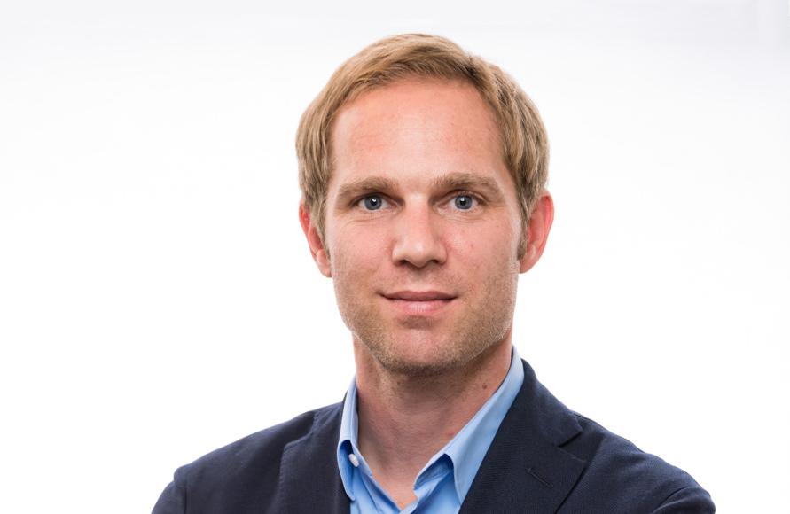 Dr. Henk R. Randau